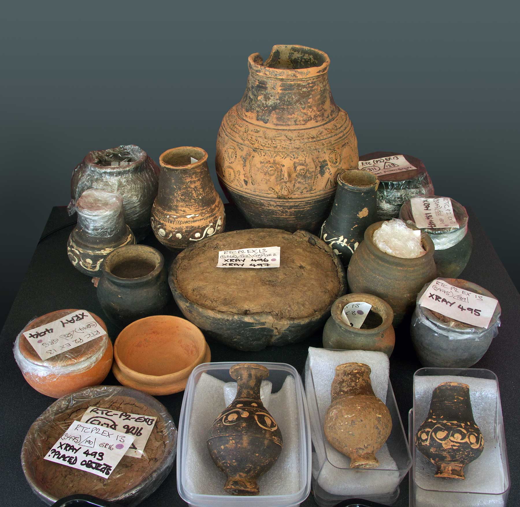 Ceramics for the Roman graves - Rhodaus Town  Images: Canterbury Archaeological Trust