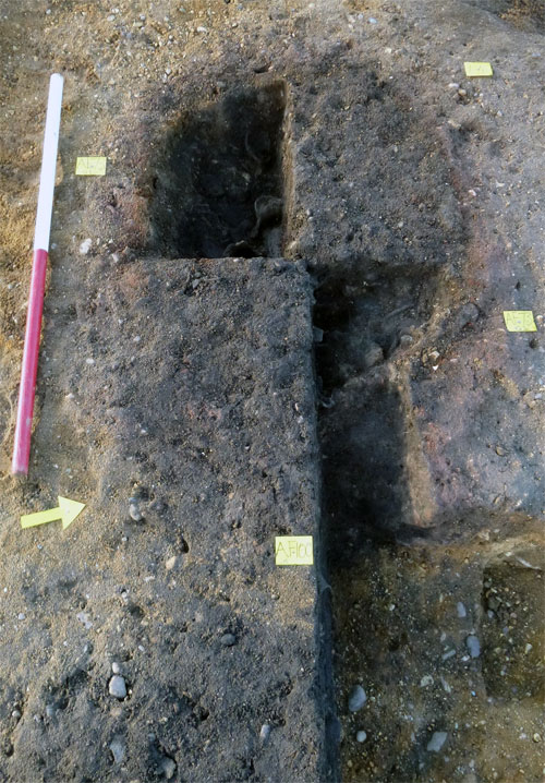 Small Roman pottery kiln under excavation. Image: CAT