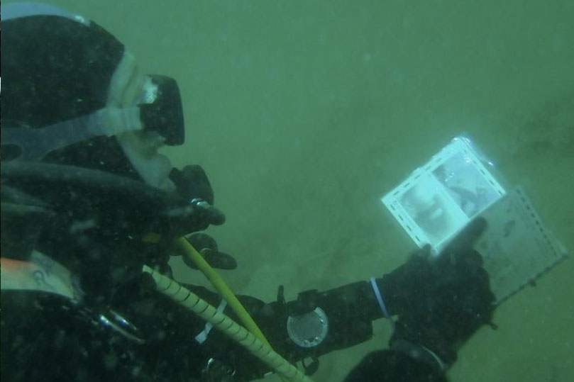 Divers using the Iona II underwater guides, by Richard Holden (Severnside Sub Aqua Club)