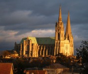 US architecture critic sparks row over Chartres Cathedral restoration